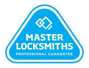 master locksmiths professional guarantee badge icon