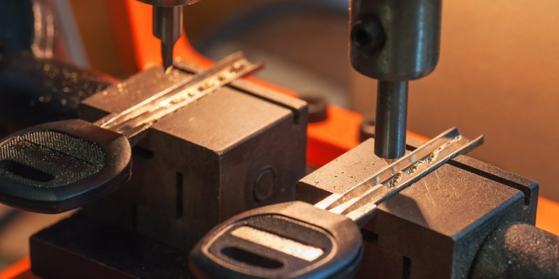 key cutting service machine cutting new keys